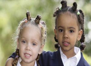 Bambine di etnia Basters, nata dall'incrocio fra coloni olandesi e donne africane.