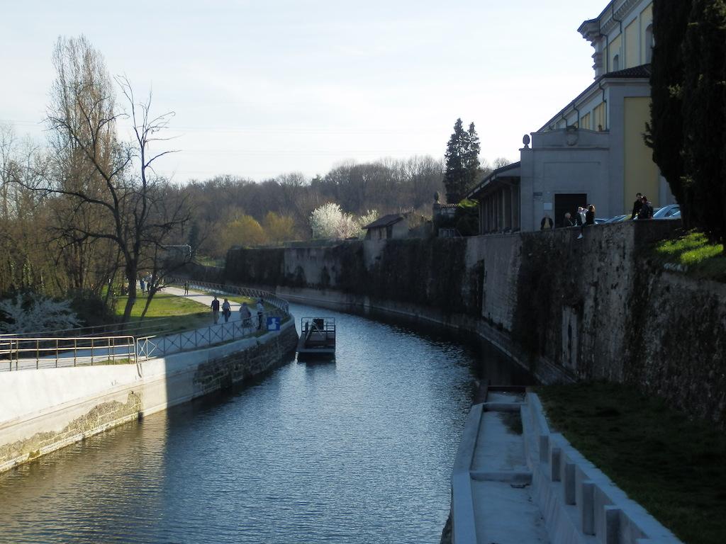 L'inizio del canale della Martesana.